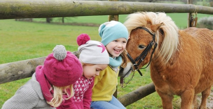 Friends together at Olivier Baby and Kids photoshoot at Shetland Pony Club
